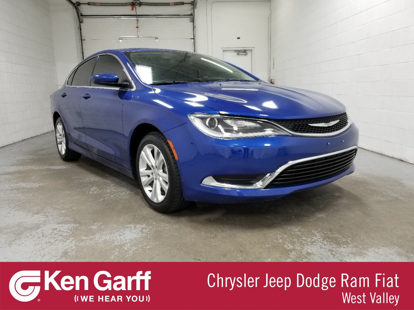 Chrysler 200 Limited >> Certified Pre Owned 2017 Chrysler 200 Limited Platinum Fwd 4dr Car