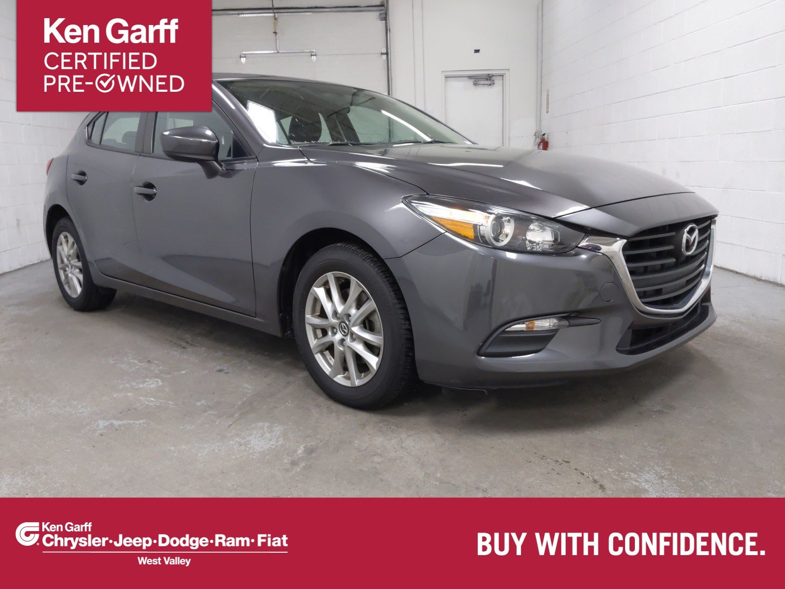Pre-Owned 2017 Mazda3 5-Door Sport